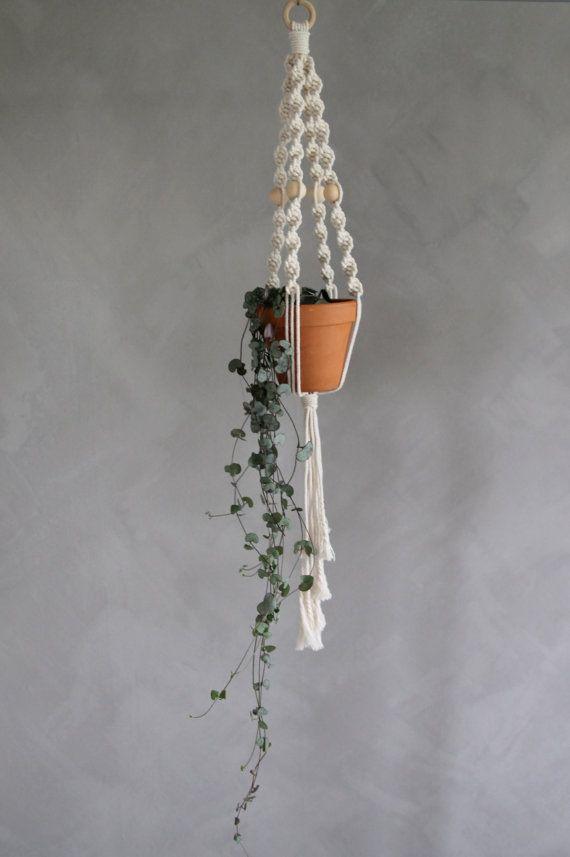 "Macramé Plant Hanger ""Sarai"" - By Helga M. on Etsy / Modern macrame / Boho Macrame / Boho decor / handmade macrame / handmade decor / boho interior"