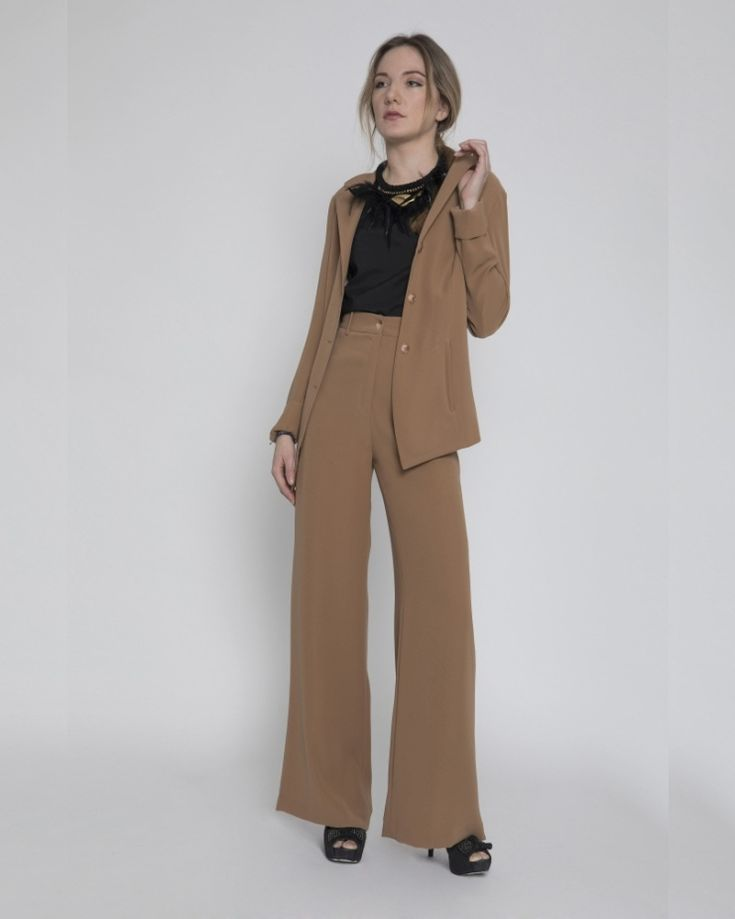 #iscollection  #camelcolors #suit #highquality #highwaisttrousers #longblazer  #blacktop #feminism  #officelook #androgyn #feathers #elegance #secret