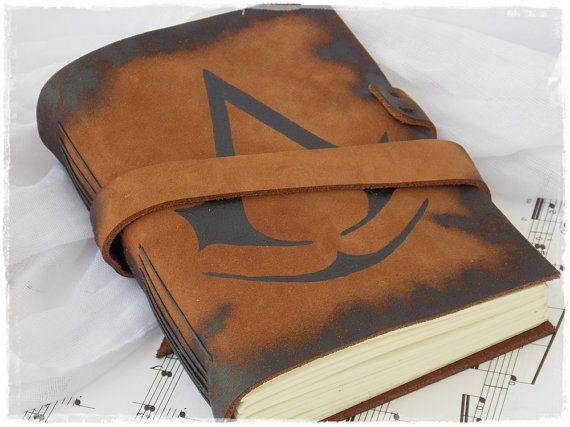 Rustic Leather Journal, Blank Leather Notebook, Large Leather Sketchbook Inspired By Assassin's Creed, Brown Leather Diary - Size: MEDIUM