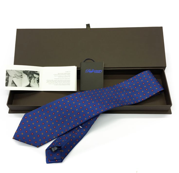 Cravatta Sartoriale in seta Hand made Tie Real Luxury Napoli Made in Italy