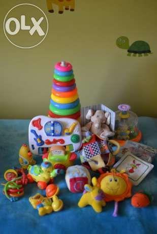 Super zestaw dla Malucha :) Pianinko, bączek, kostka, maskotki, grzechotki, gryzaki, książeczki i wiele innych zabawek.  #Dzieciociuszek #dziecko #maluszek #grzechotka #maskotki #zabawki #bawimysie #jestzaciesz