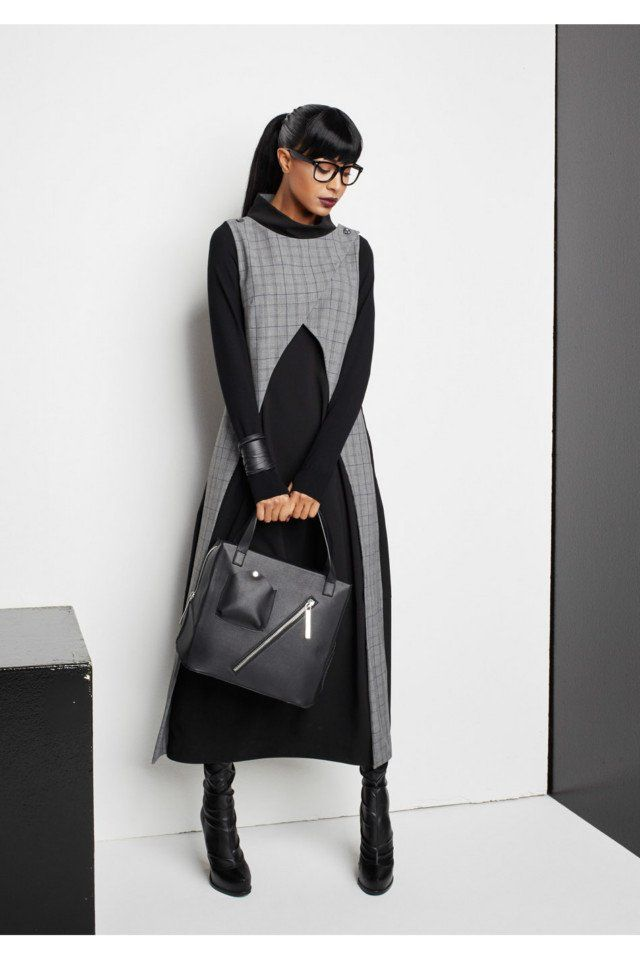 Oblique Creations #VogueRussia #readytowear #rtw #fallwinter2017 #ObliqueCreations #VogueCollections