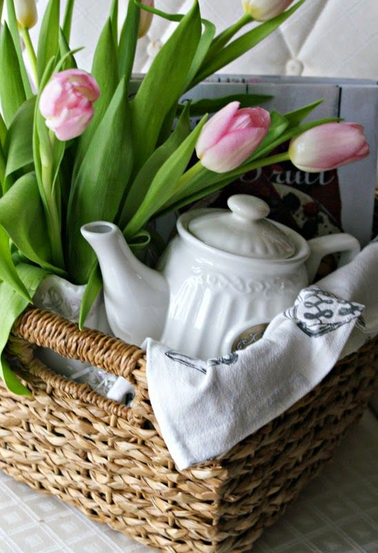A Little Loveliness: Housewarming Gift Baskets