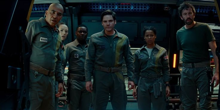 It Was Brilliantly Marketed But THE CLOVERFIELD PARADOX Is Not A Brilliant Film - One Minute Movie Review