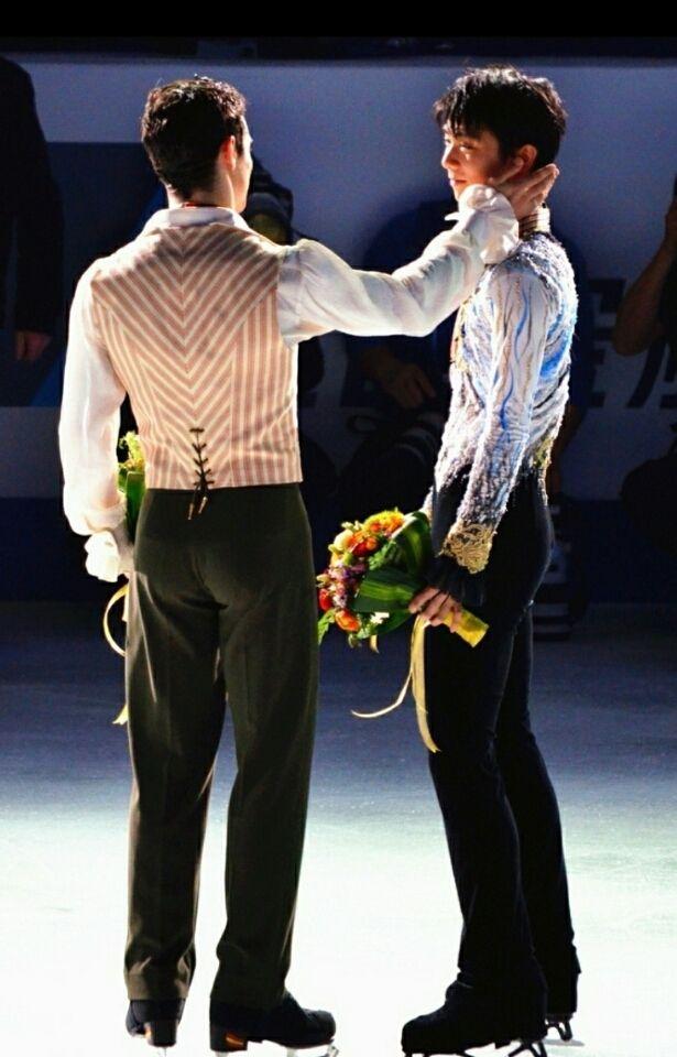 Yuzuru Hanyu (right) | Javier Fernandez (left)