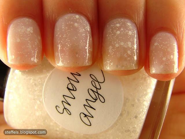 nails: Powder Puff, Wedding Nails, Snowangel, Snow Angel, Christmas Nails, Glitter Nails, Nails Polish, Winter Nails, Sparkly Nails