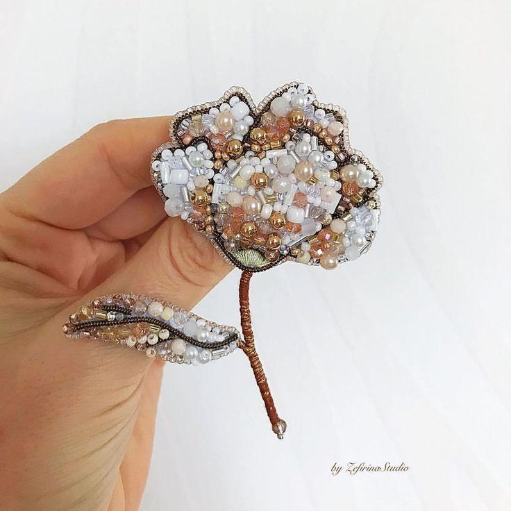 57 отметок «Нравится», 1 комментариев — Zefirina Studio (@zefirinastudio) в Instagram: «Скоро доберусь до белой рубашки и сфотографирую эту конфетку под воротничком - как бабочку. Мне…»