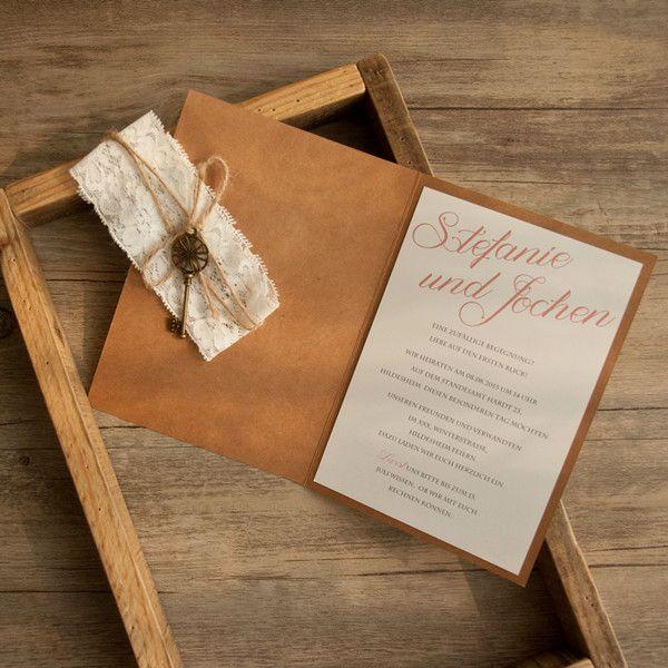 Boho rustikale Hochzeit Einladungskarte mit Spitze und Schluessel KPL190
