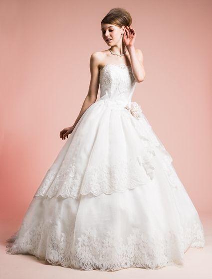ウエディングドレス、高品質な結婚式ドレスならW by Watabe Wedding / オーガンジー・レース・プリンセスラインウェディングドレス