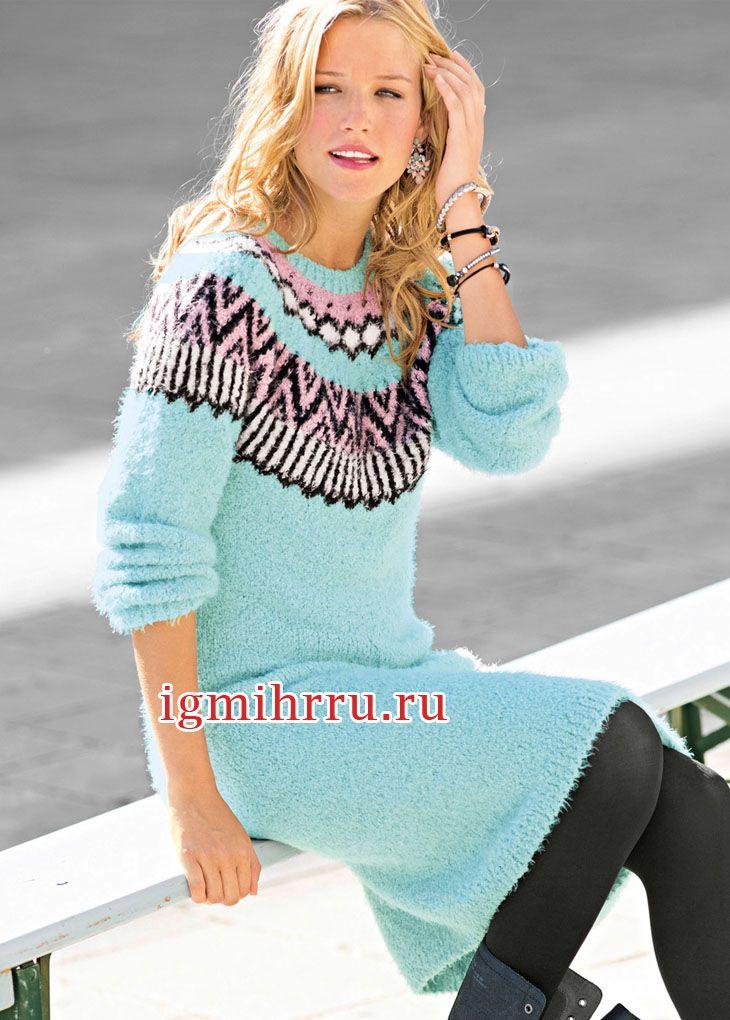 Платье мятного цвета с жаккардовой кокеткой. Вязание спицами  Платье выглядит свежо и нарядно благодаря декоративной кокетке с жаккардовым узором и фантазийной буклированной пряже