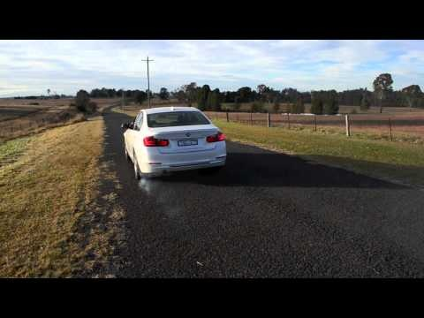 2012 BMW 320i Sport Line start up and acceleration