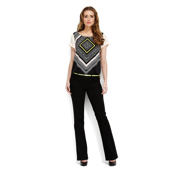 Top with asymmetrical graphic print and unicolour back panel with eye-catching zipper. Beautiful artistic design.