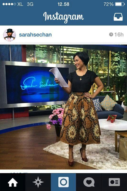 Sarah Sechan (multitalented Indonesian Artist) used beautiful Batik Dress..