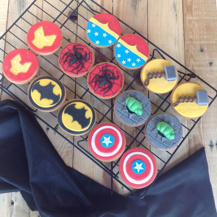 Super heroes The avengers fondant cookies for boys