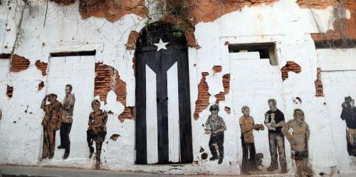 De luto la bandera puertorriqueña en San Juan | Esto...
