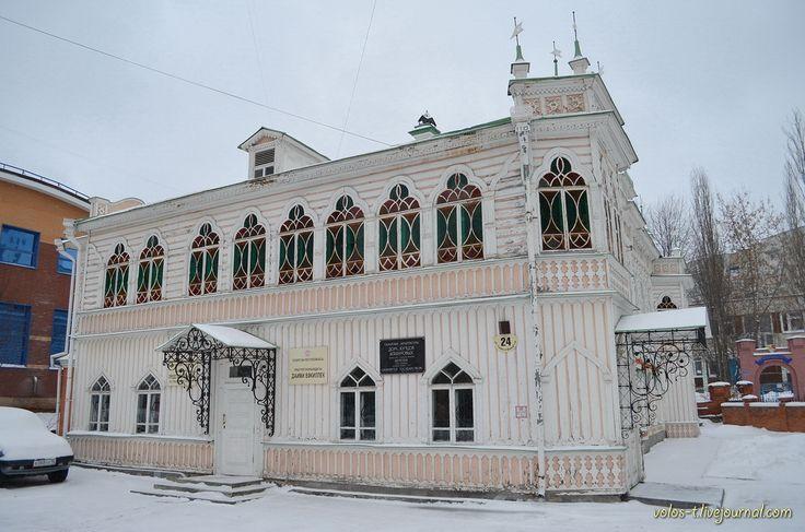Состояние деревянной архитектуры Екатеринбурга хорошо отображает фотография ниже. Описывается же она тремя словами - есть, немного, красива. Но начнем все по…