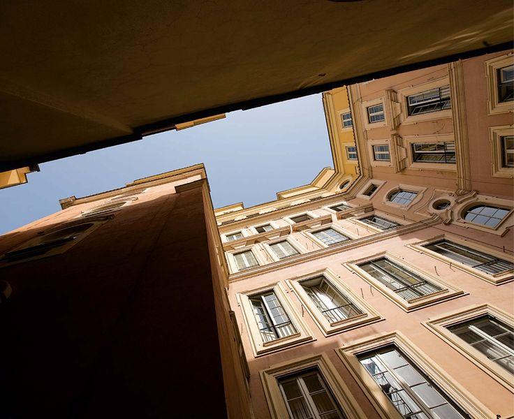 Cortile laterale. Fotografie - Renato Cerisola © 2009 INAIL Tutti i diritti riservati
