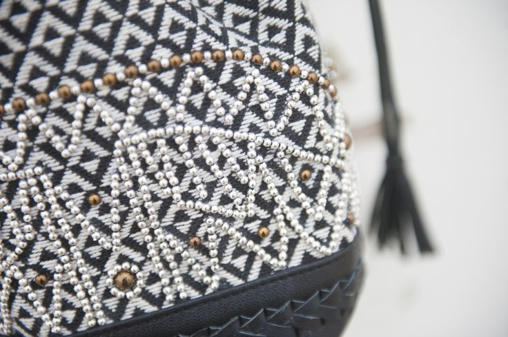 Stella Forest, details #leather #handmade Petit zoom sur ce sac 100% en cuir et ses petites perles avec sa broderie noir & blanc faite main.   A zoom on this 100% leather bag and beads with this black and white handmade embroidery . #potd