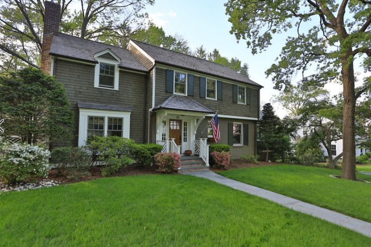 Best 25 colonial exterior ideas on pinterest colonial style homes house magazine and grey for Updated colonial home exterior