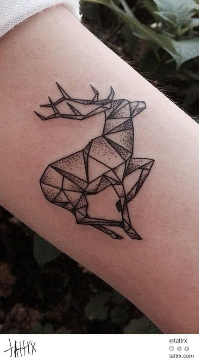 Tatouage animal : Un cerf | ombrages en dotting | Tattoo