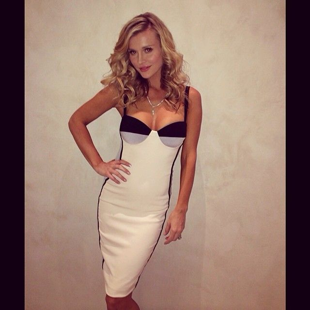 Joanna Krupa.. 'Carlottta' Pencil Dress via Celeb Boutique - http://www.celebboutique.com/index.php?dispatch=products.viewproduct_id=1934currency=GBPsiteID=vM_9cfeNLOA-NtoKx9OPUFM4WDht2IX.Cw