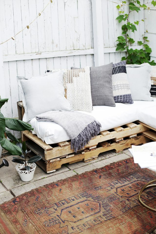 How To Make A Couch Out Of Pallets Pallet Furniture Outdoor Diy