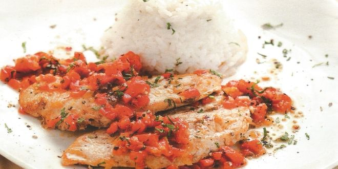 Unos jugosos y sabrosos Filetes de Pavo en Salsa de Pimentones muy fáciles y rápidos de preparar.