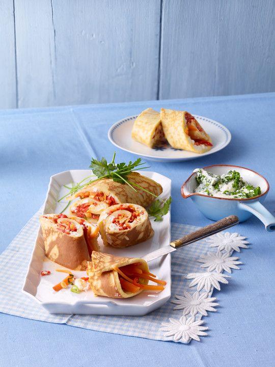 Pfannkuchen vom Blech mit Gemüse und Feta