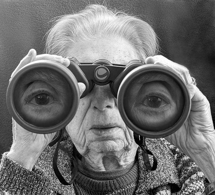 Tony Luciani desenvolveu uma série fotográfica com sua mãe de 91 anos