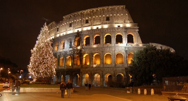 Christmas in Italy would be wonderful...I bet :)