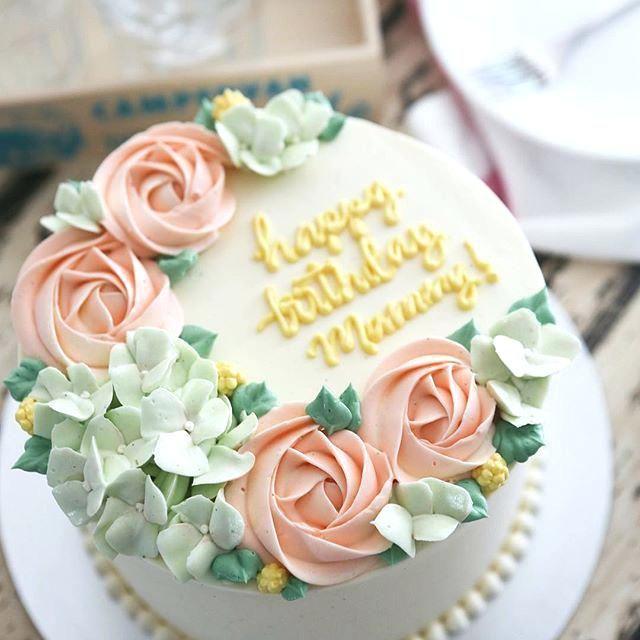 Brilliant Flower Cake Decor Idea Best Small Cake Ideas On Girly Cakes Dot Funny Birthday Cards Online Eattedamsfinfo