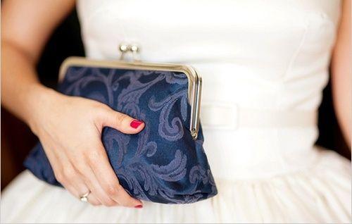 Vintage purse... Lovely!!