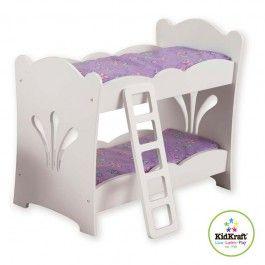 Leuk poppen stapelbed van Kidkraft voor echte poppenmoeders. Het stapelbed is voorzien van een ladder om de poppen in het bovenste bed te helpen en wordt geleverd inlcusief twee kussens en twee dekens. De bedden van het stapelbed zijn geschikt voor poppen tot 48 cm.