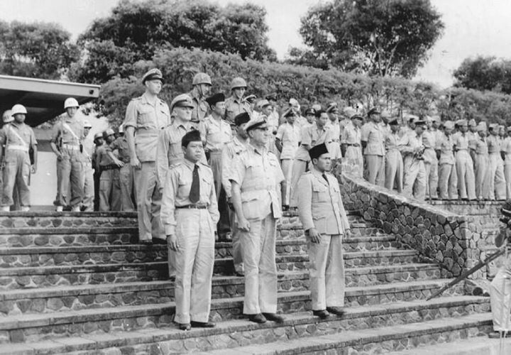 Dutch n Indo soldiers in Malang 1950
