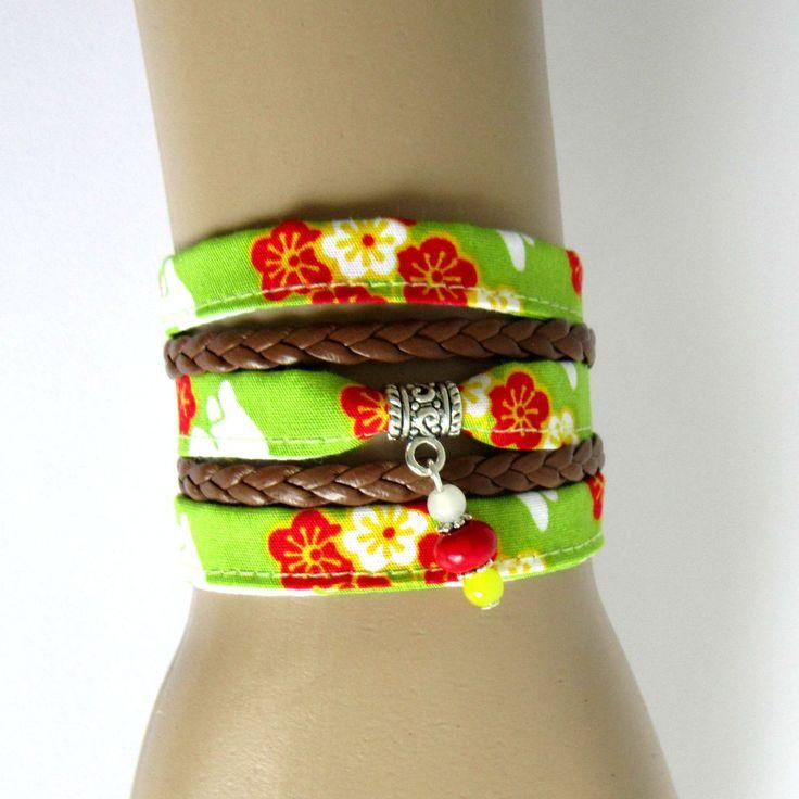 Bracelet manchette multi-rang tissu japonais fleurs de cerisier vert, rouge, jaune, blanc, argenté : Bracelet par color-life-bijoux