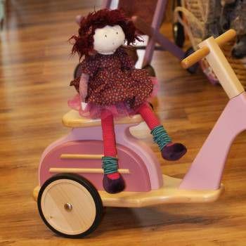 Roze houten scooter Vespa