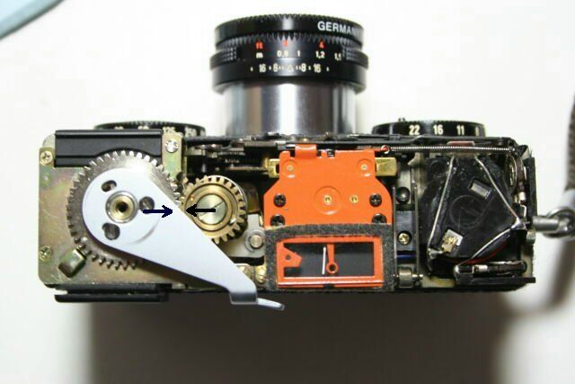 Inside Rollei 35 S. So compact that I thought I was looking at the eye of Megatron in Transformers.