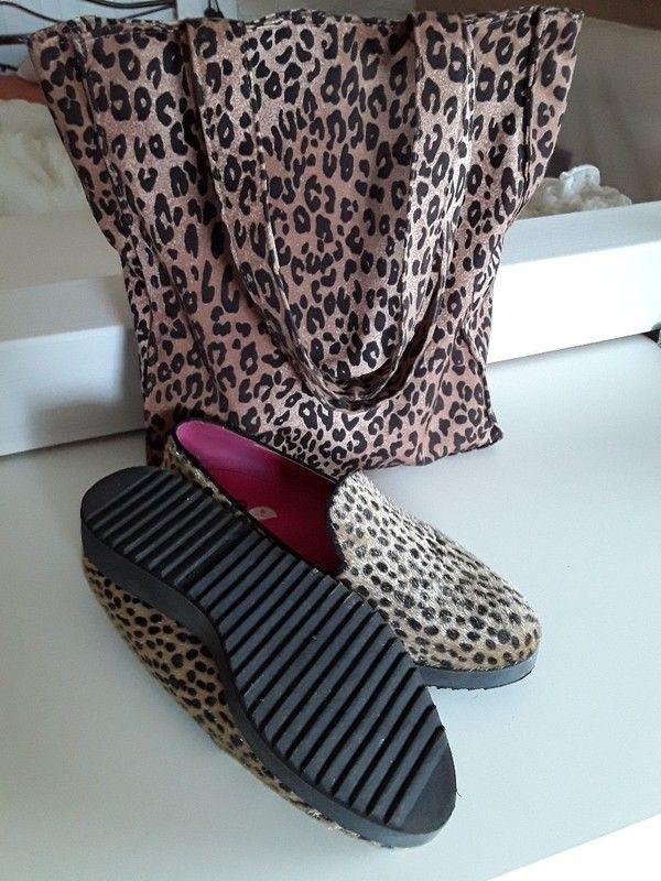 Schuhe und Tasche in Leo optik