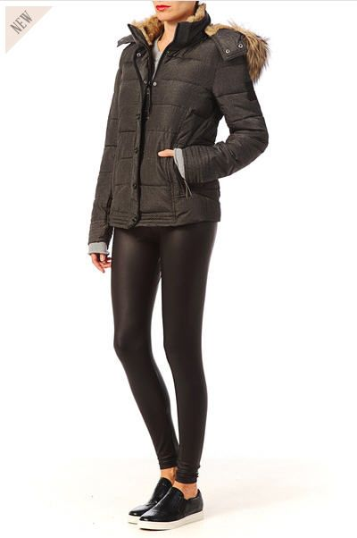 Doudoune femme Monshowroom, craquez sur la Doudoune avec capuche Province Noir Only prix promo Monshowroom 89.95 € TTC