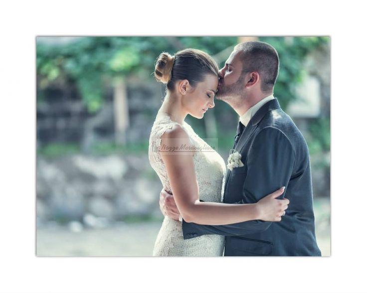 Ogni bacio sul tuo viso è un passo concreto verso la felicità. Sposi e  baci romantici  http://www.nozzemeravigliose.it/matrimonio/fotografo/napoli/dario-averardi-fotografo/380