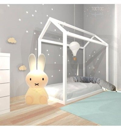 M s de 25 ideas incre bles sobre cama montessori en for Cuarto montessori