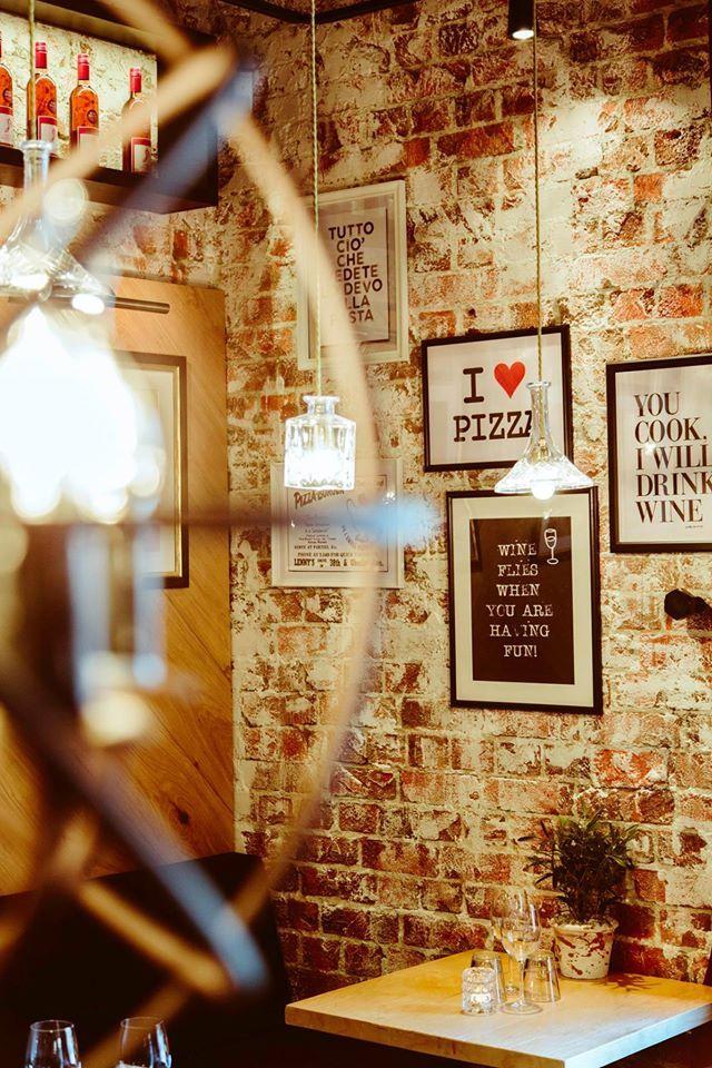 Destinationm: Pizzeria Bella Roma, Jyväskylä |||| Interior designer: Petra-Miisa / INTERIORI |||| Furniture and lamps: Albatrossi Tuote Oy |||| Photos: Jukka Salminen / Tiikerikuva