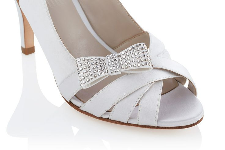 #Jakii Lynette [White mid-heel slingback with bow accent and swarovski crystals]