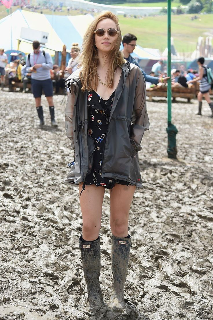 Glastonbury Street Style: How To Look Good While Covered ...