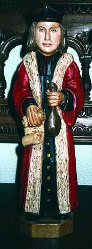 Statuette de Swiety Iwo (Saint Yves) sur un site polonais.
