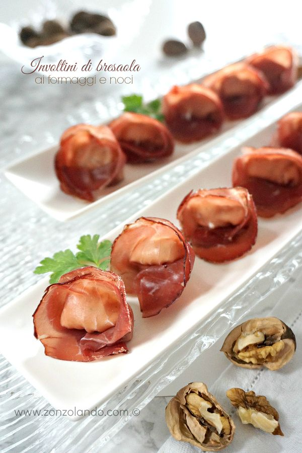 Involtini di bresaola formaggi e noci antipasto veloce ricetta - raw beef cured rolls with cheese recipe