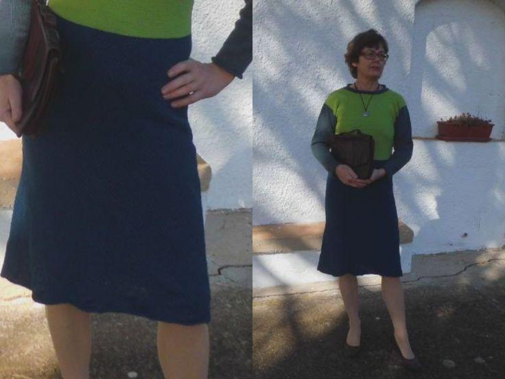 ISPICA, smart og lun kjole eller nederdel i tynd uld. Håndstrikket design fra domoras