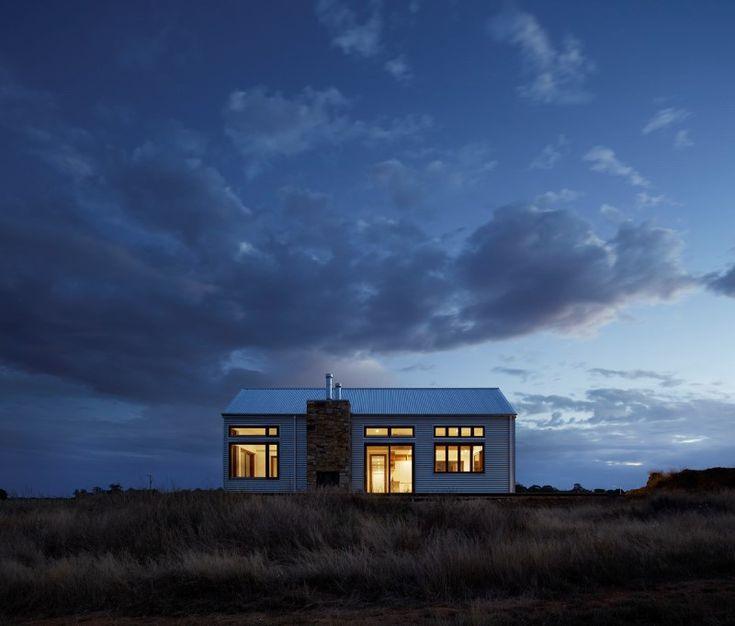 Trentham House – 700 Haus by Glow Design Group