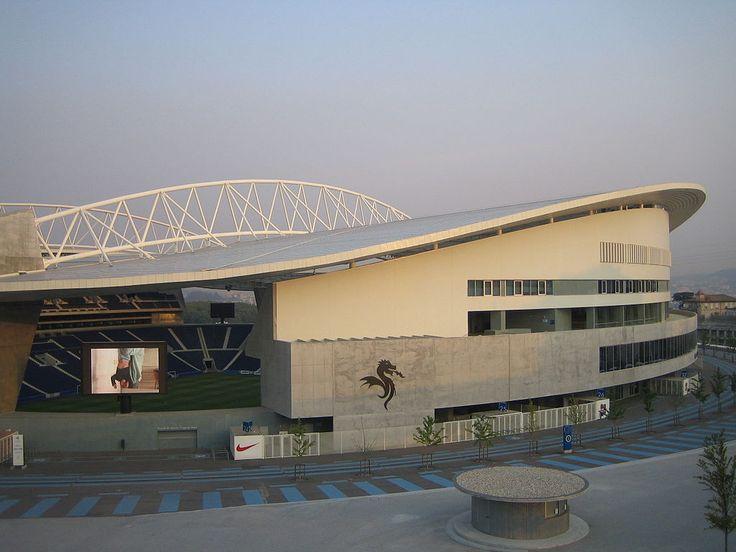 * Estádio do Dragão *  Inauguração: 16/Novembro/2003. Capacidade: 50.092 lugares. Mandante: F.C.Porto. Localização: Porto, Portugal.