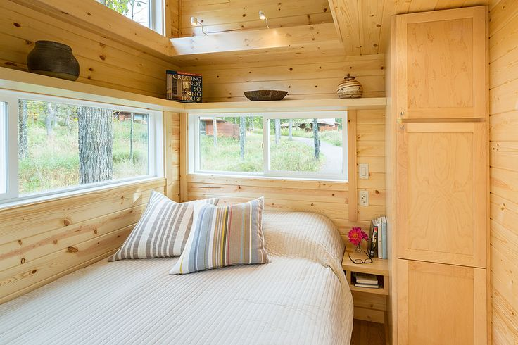 【コンパクトでシンプル】わずか4畳の開放感あふれるベッドルーム